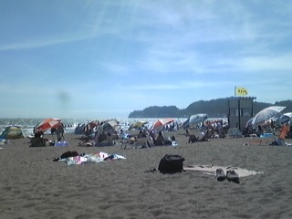 由比ヶ浜なう。
